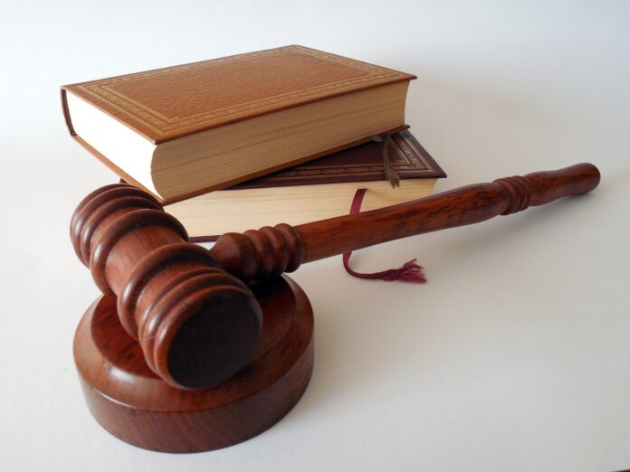 Gavel and books, law, divorce